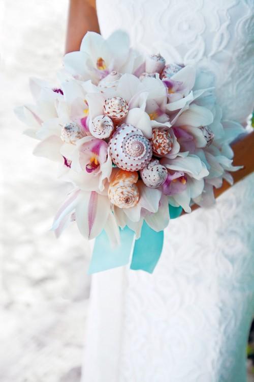 stunning-beach-wedding-bouquets-56-500x750